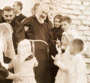 Saint Padre Pio with children